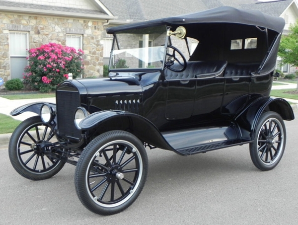 1924 Model T Touring Car