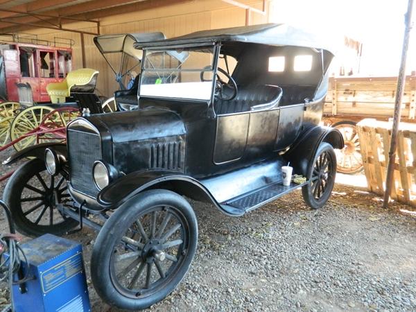 1925 Model T Touring Car